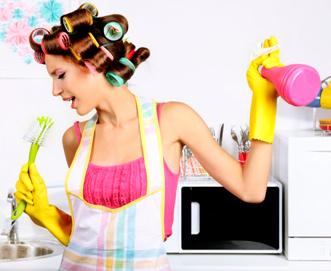 поем и убираем на кухне