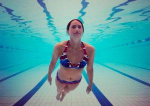 плавать между тренировками
